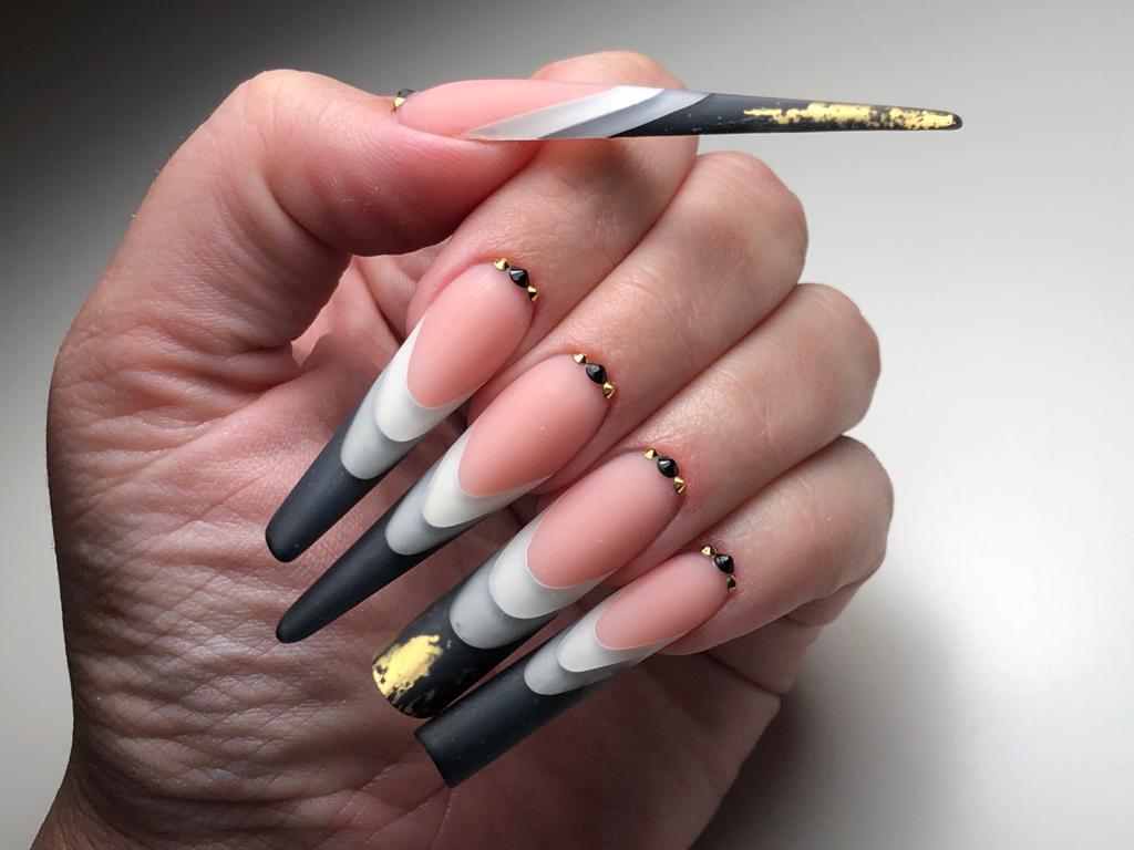 Ricostruzione unghie estreme