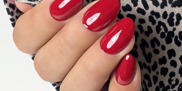 Unghie Natale 2020: le tendenze da conoscere per un nail look festoso!